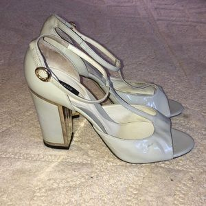 Bally Pumps White with Gold Heels